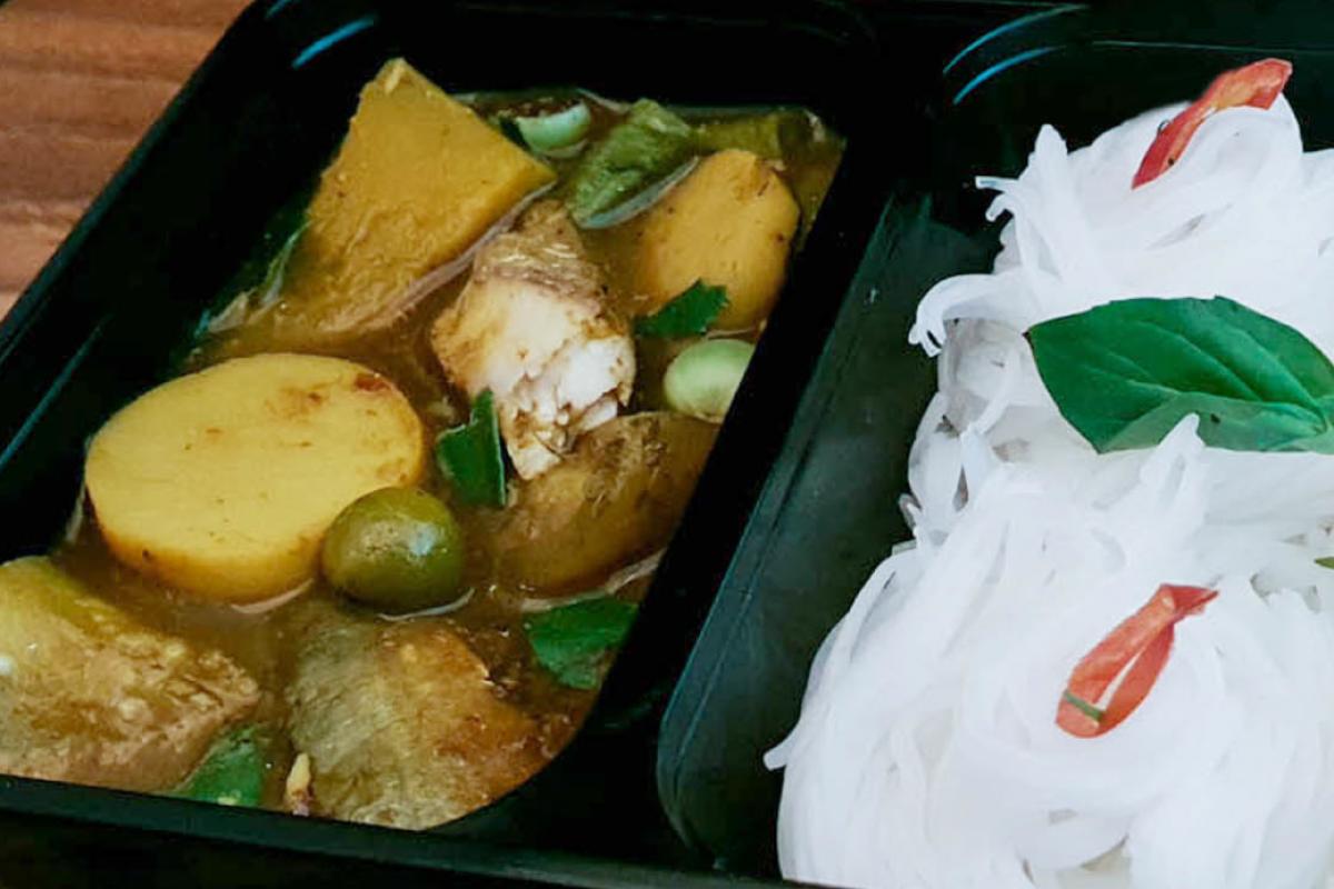 10ขนมจีนแกงไตปลา